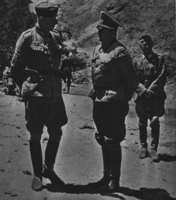 A sinistra, il generale Von Manstein, a destra il colonnello Von Choltitz.