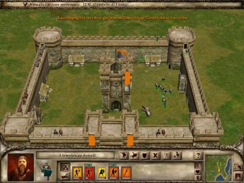 Gentilmente i difensori di questo castello stanno da una parte mentre i miei entrano dall'altra. Mhà! (in basso).
