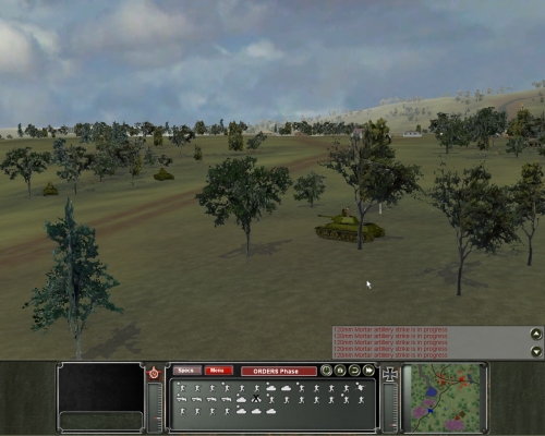 T34 russi aspettano il nemico nascosti nelle foreste ai margini del villaggio